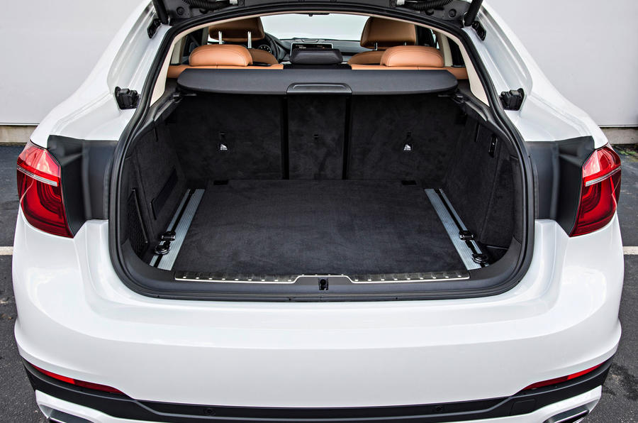 BMW X6 xDrive50i boot space