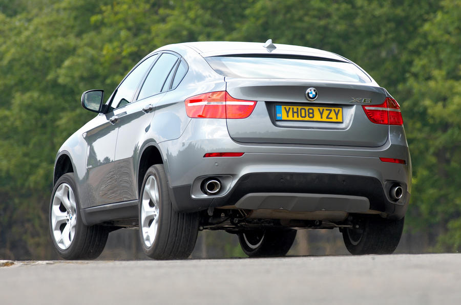 BMW X6 rear cornering