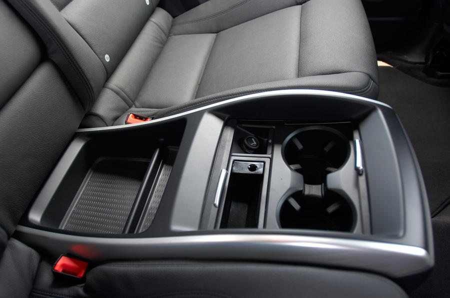 BMW X6 rear cupholders