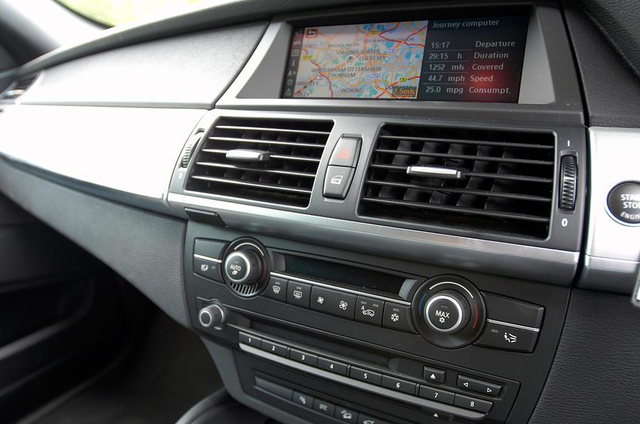 BMW X6 infotainment system
