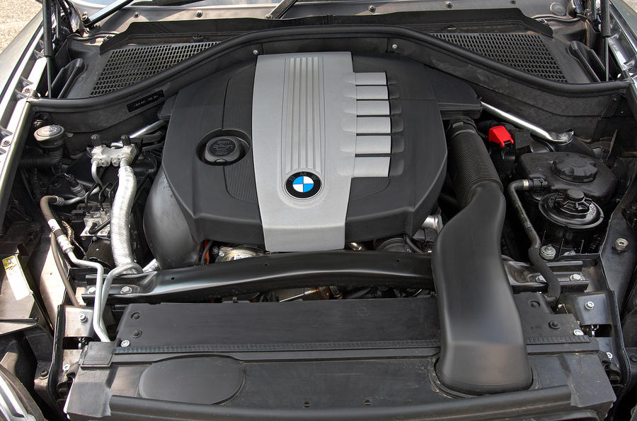BMW X6 twin-turbo diesel engine