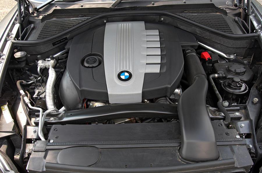 BMW X6 twin-turbo diesel engine