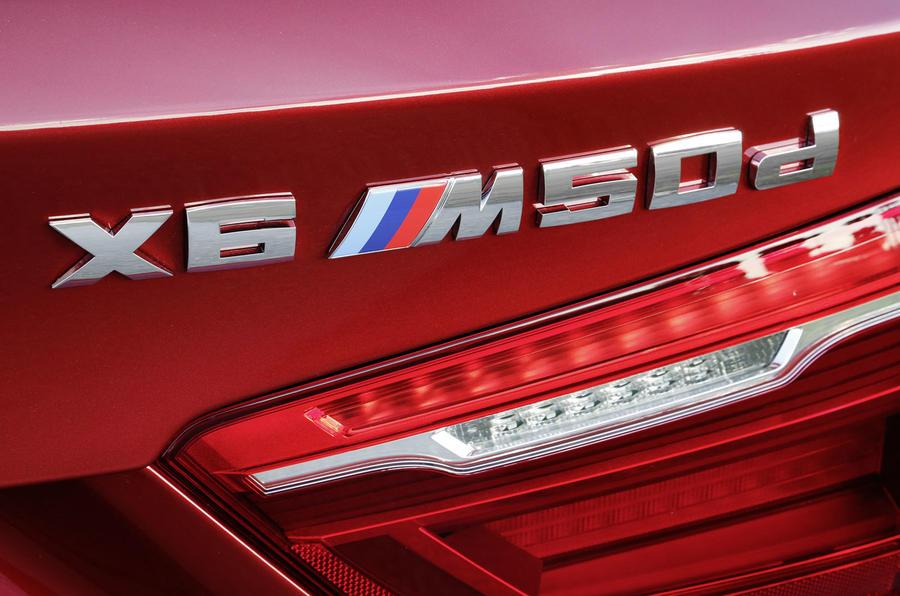 BMW X6 M50d badging