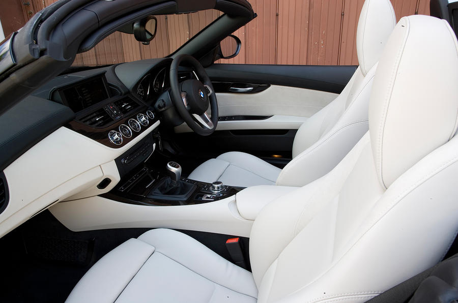 BMW Z4 front sport seats