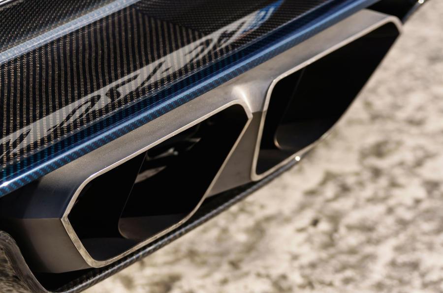 Bugatti Chiron twin exhaust