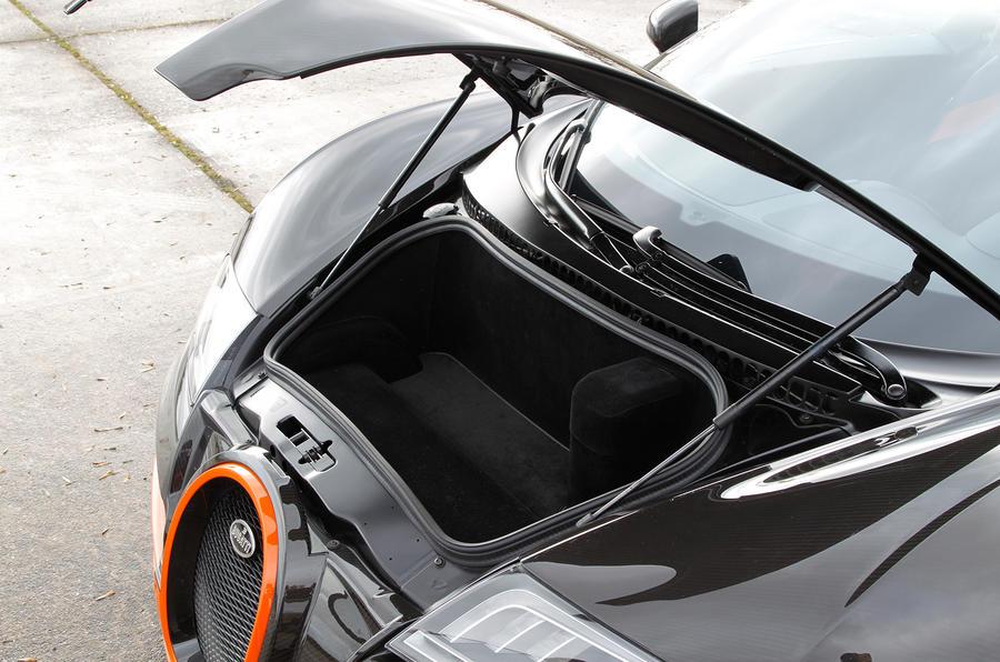 Bugatti Veyron boot
