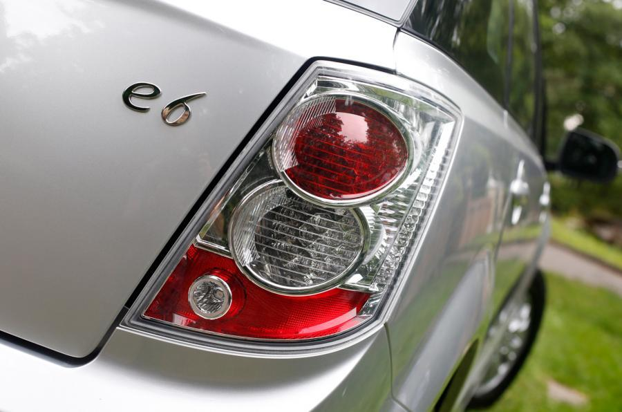 BYD e6 rear lights