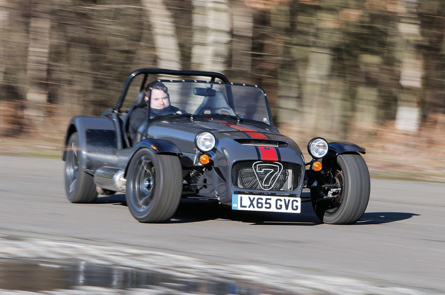 Caterham 620S drifting