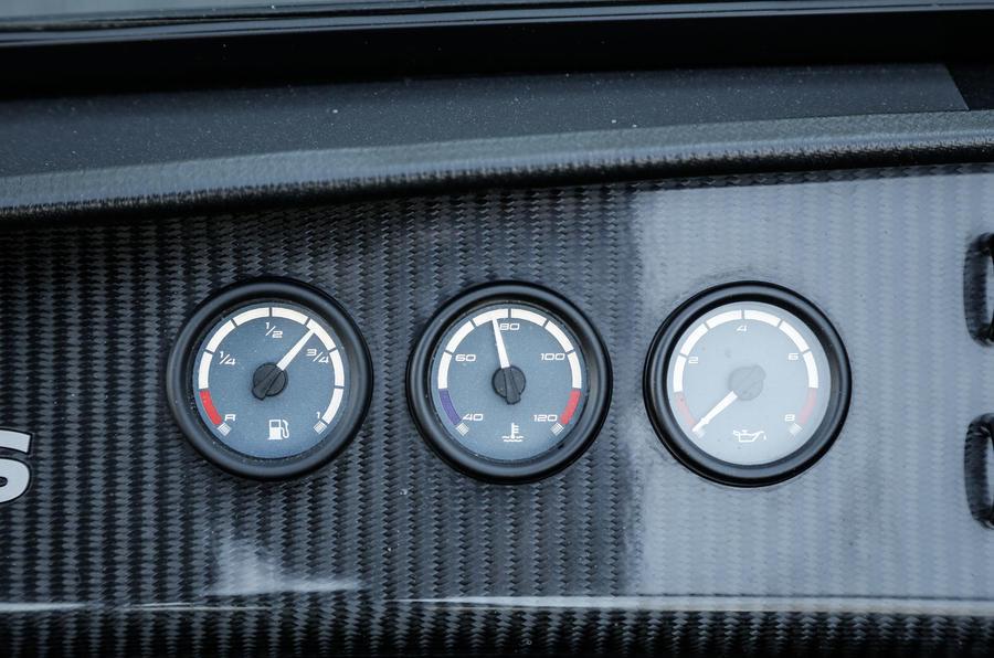 Caterham 620S lubricant and fuel gauges
