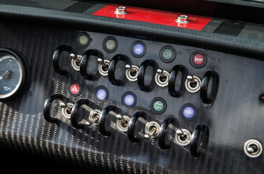 Carbonfibre styled Caterham 620S dashboard