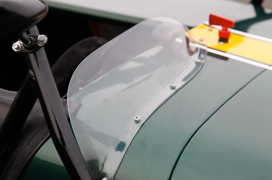 Caterham R600 windscreen