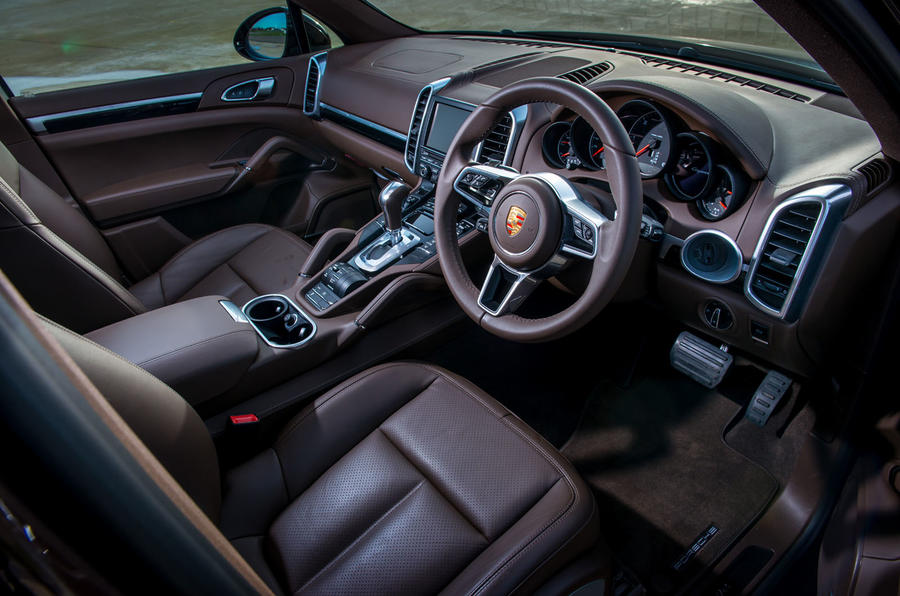 Porsche Cayenne Turbo interior