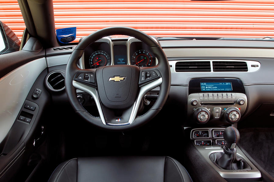 Chevrolet Camaro dashboard