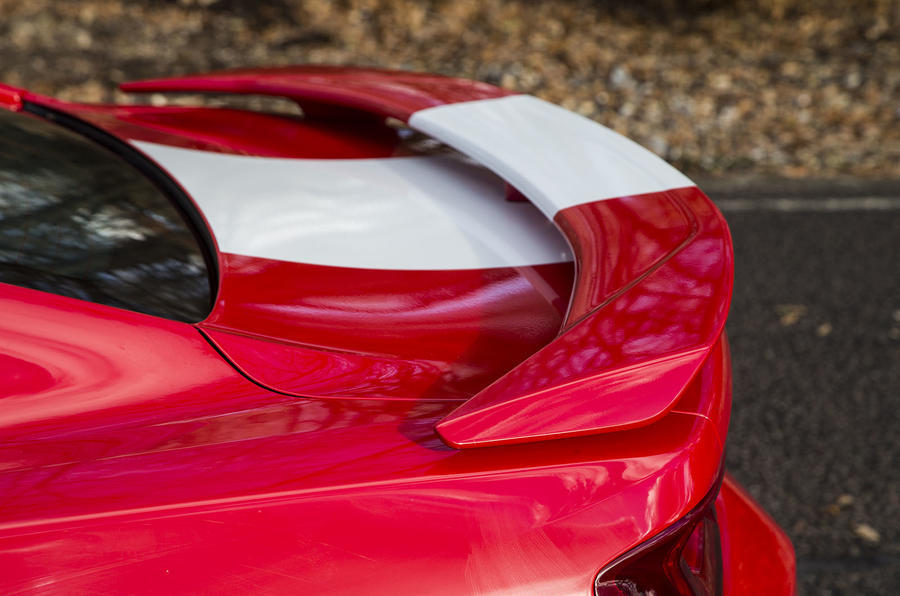 Chevrolet Camaro rear wing