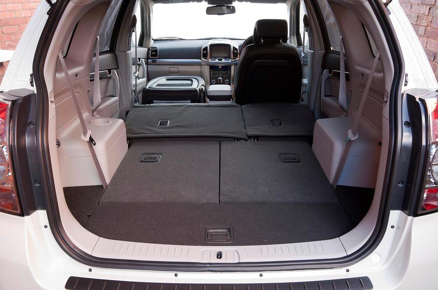 Chevrolet Captiva seats down