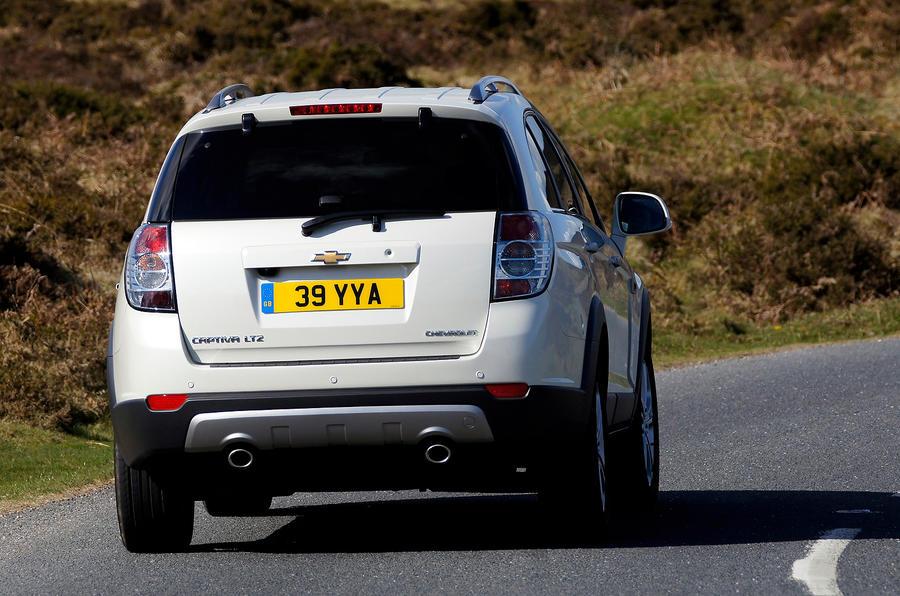 Chevrolet Captiva rear cornering