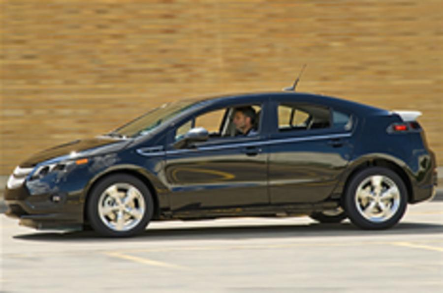 Chevy Volt to fight Ampera in UK