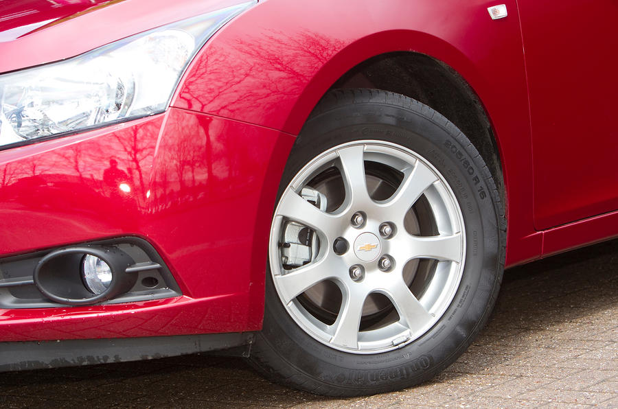 16in Chevrolet Cruze alloys
