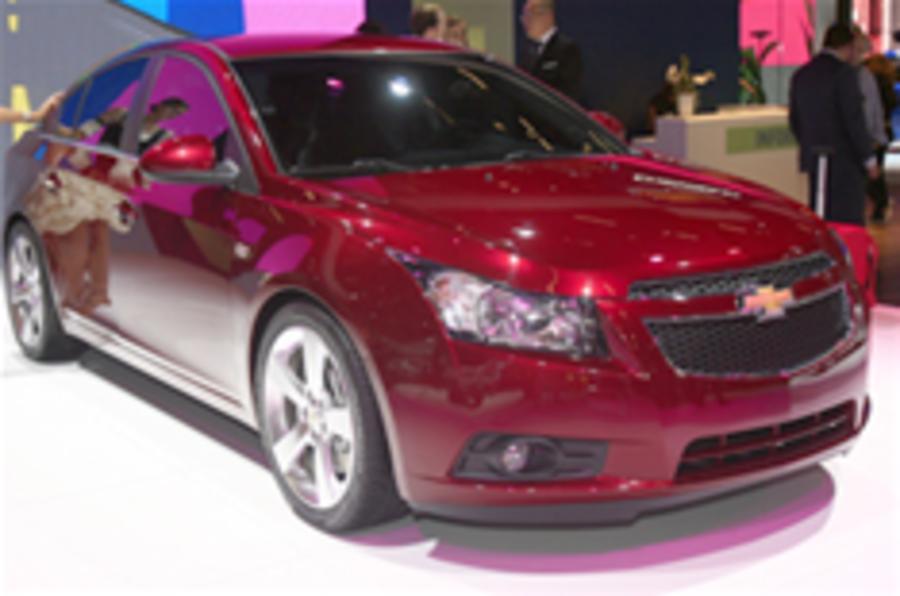Paris show: Chevrolet Cruze