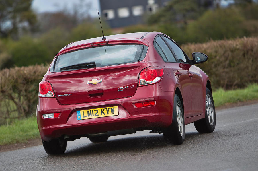 Chevrolet Cruze rear cornering