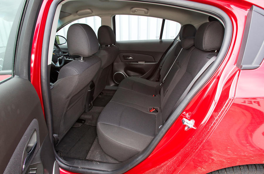 Chevrolet Cruze rear seats