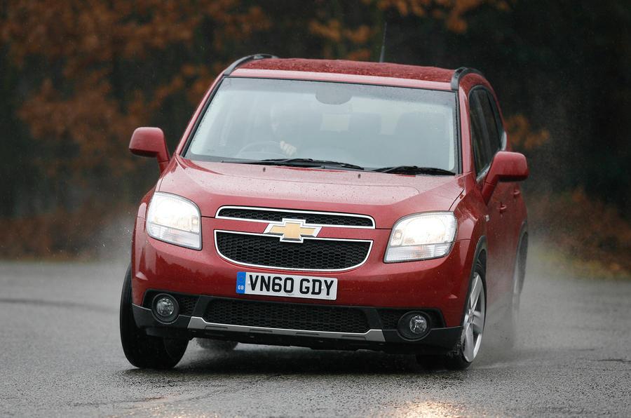 Chevrolet Orlando cornering