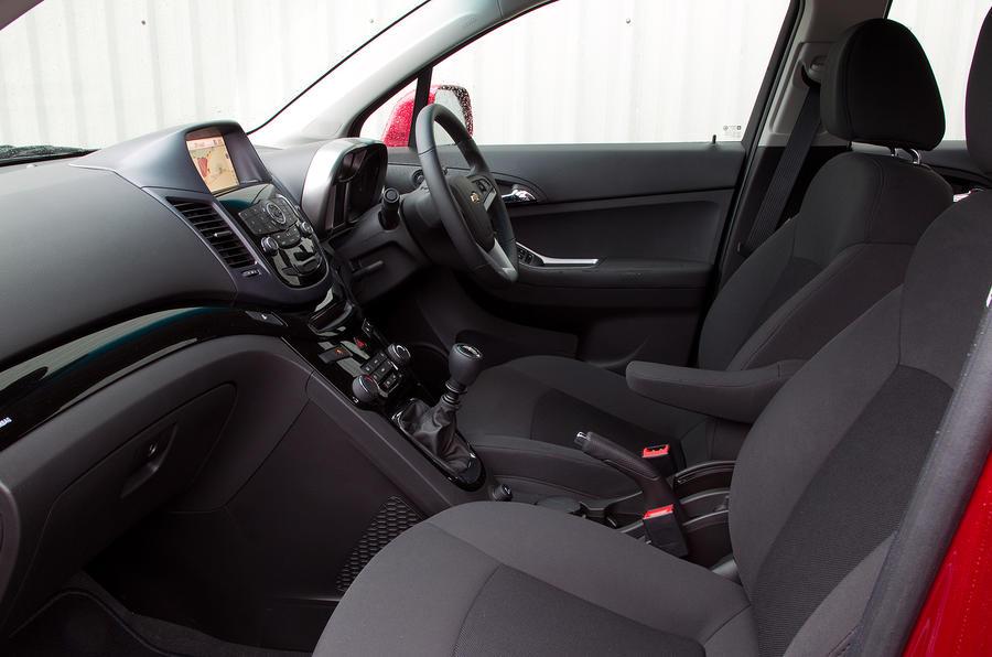 Chevrolet Orlando front seats