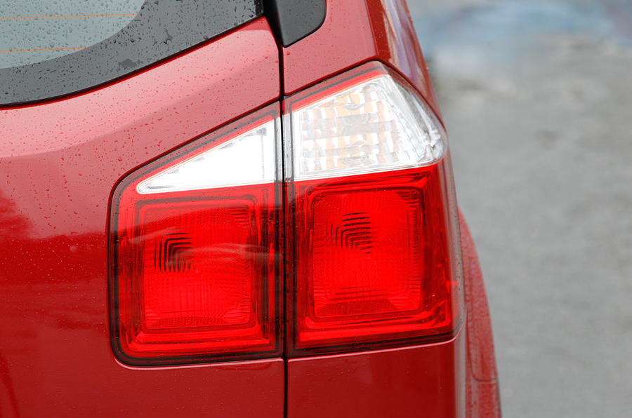 Chevrolet Orlando rear lights