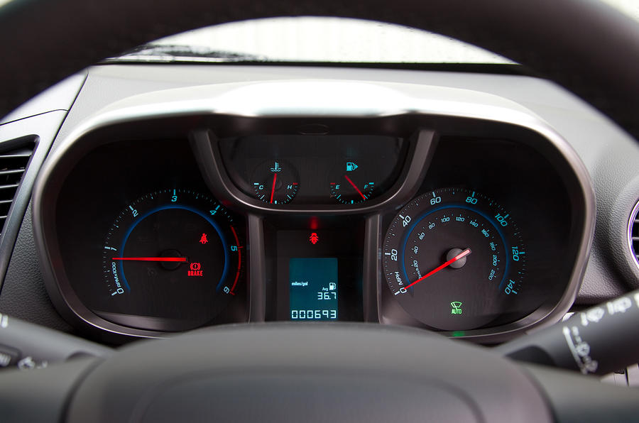 Chevrolet Orlando instrument cluster