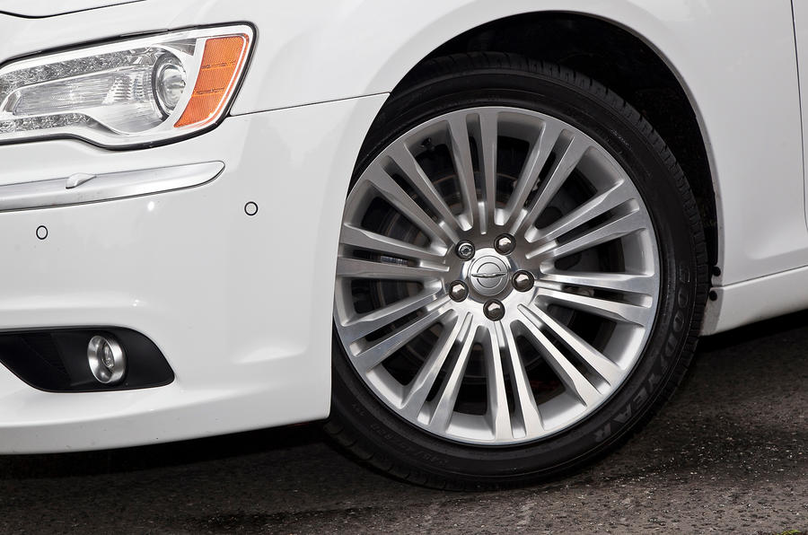20in Chrysler 300C alloy wheels