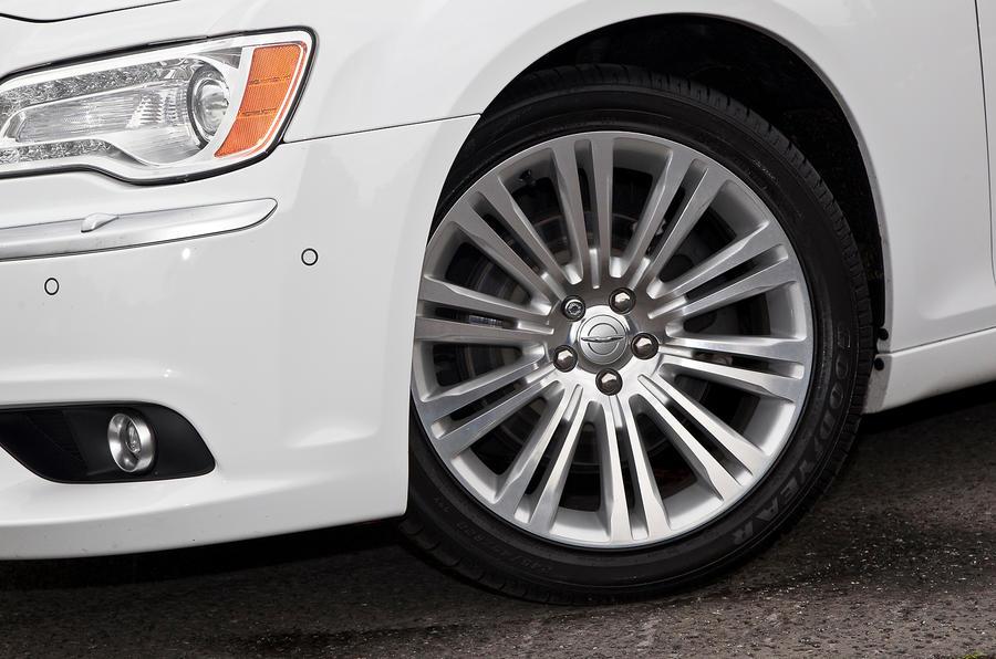 20in Chrysler 300C alloy wheels