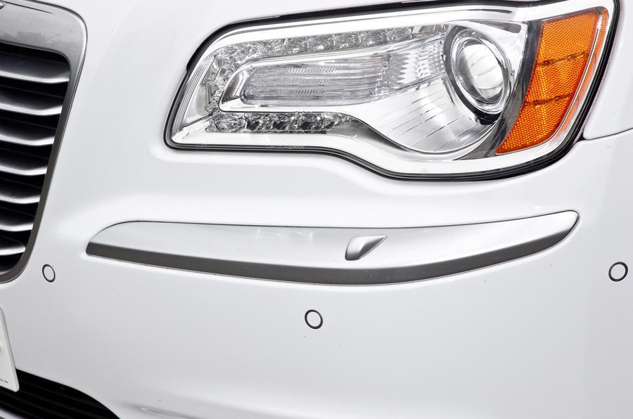 Xenon Chrysler 300C headlights