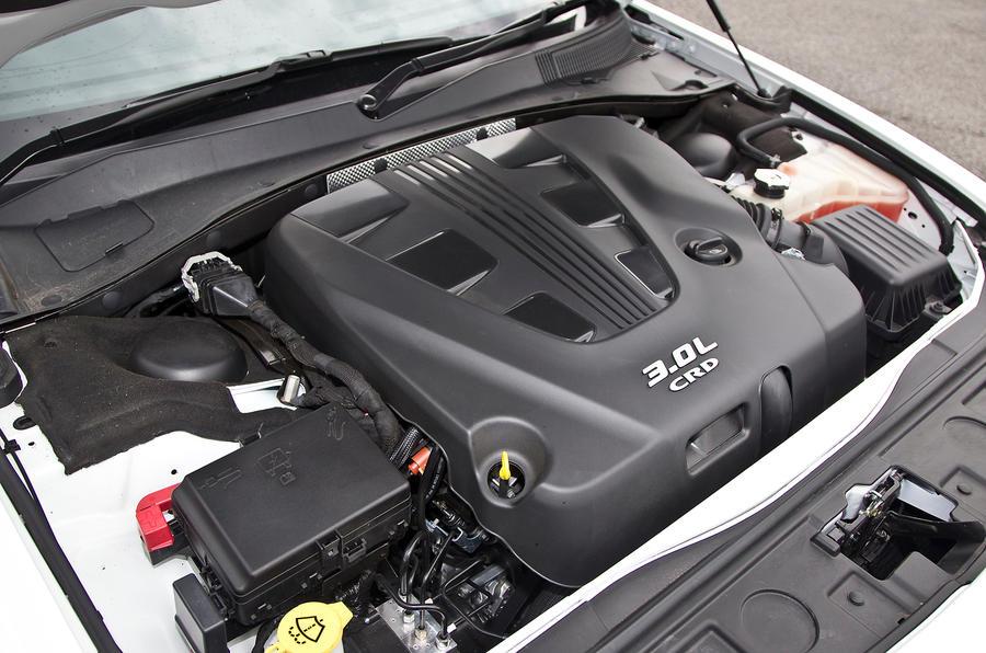 3.0-litre V6 Chrysler 300C engine
