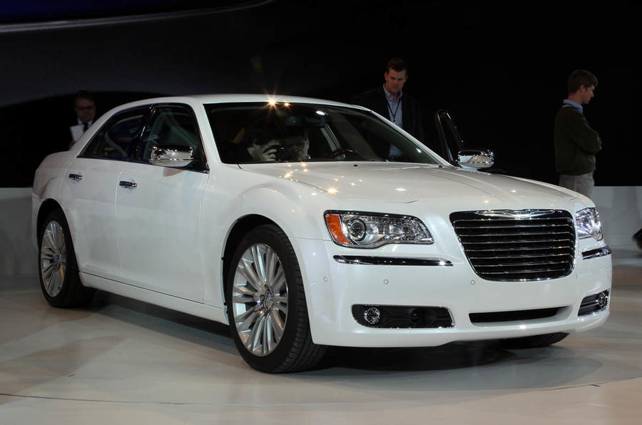 Chrysler 300C estate axed