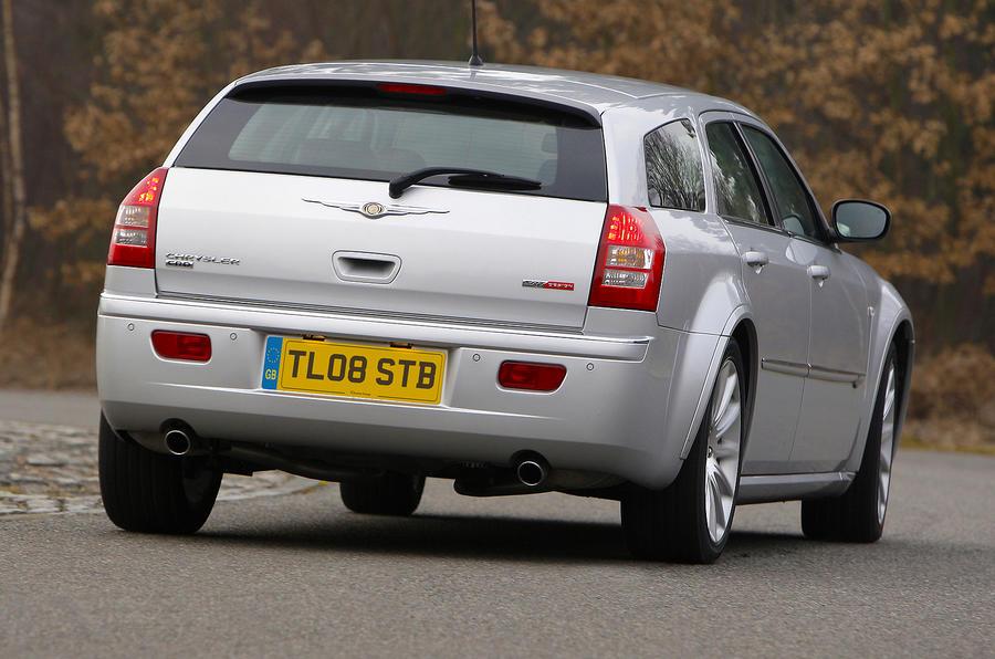 Chrysler 300C estate axed