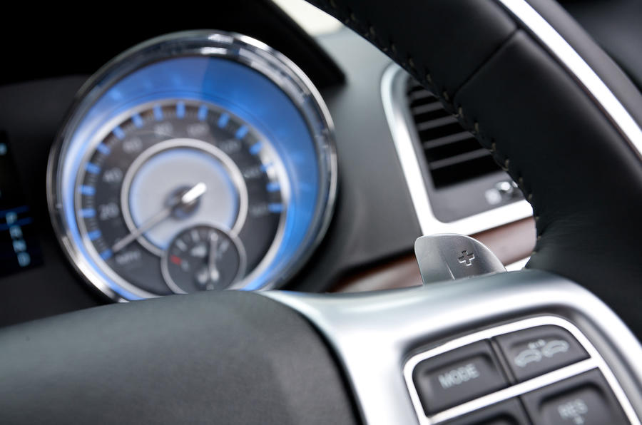 Chrysler 300C paddle shifters
