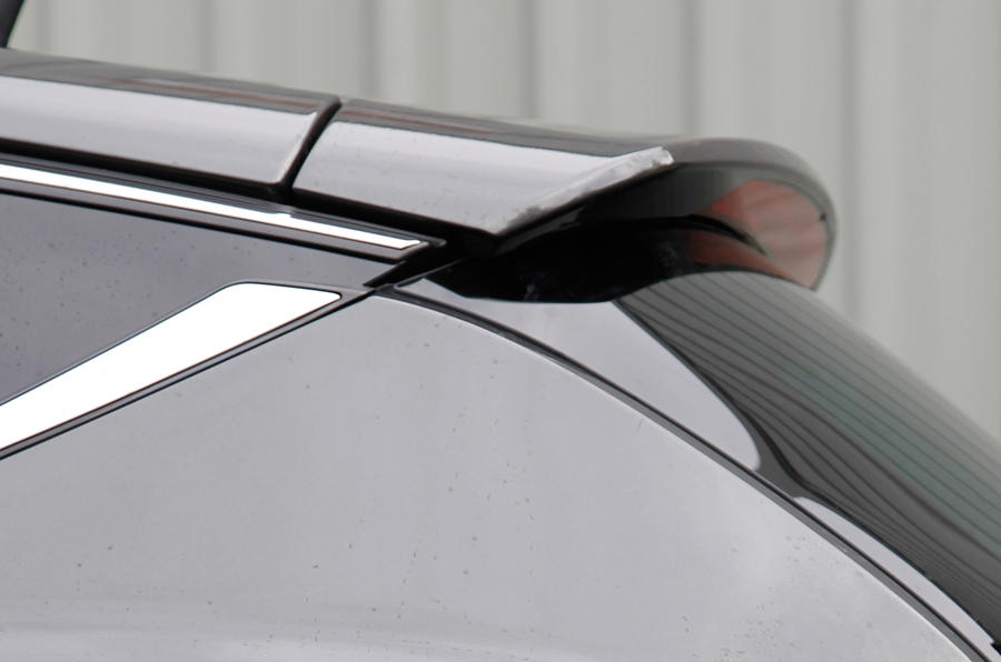 Chrysler Delta roof spoiler