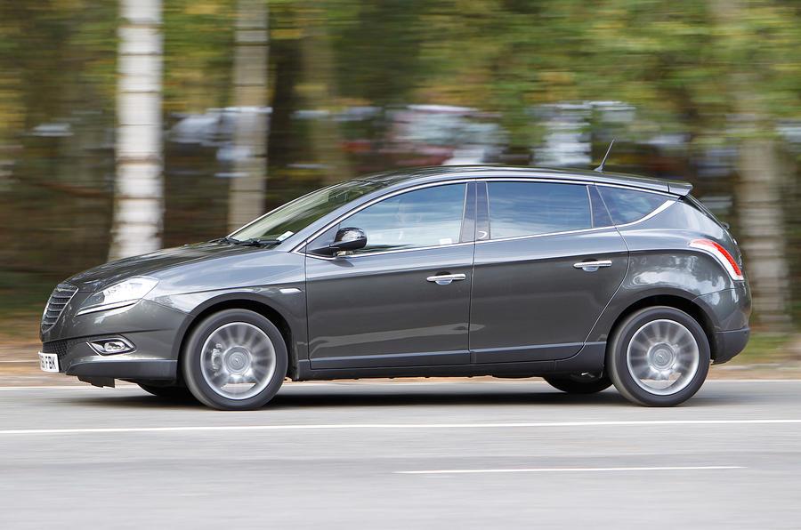 Chrysler Delta side profile