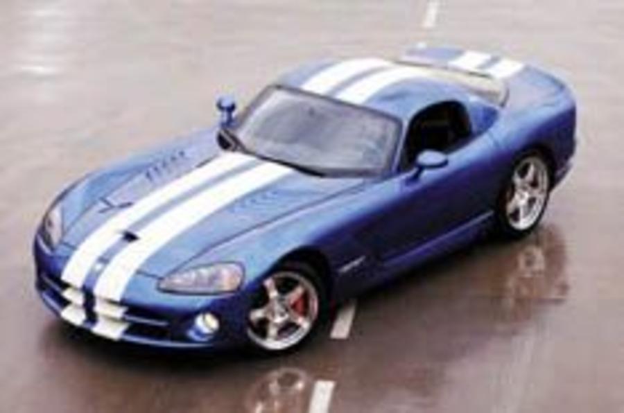 Chrysler muscles in on UK market