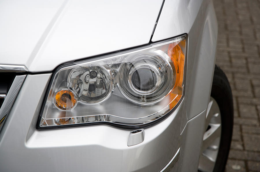Chrysler Voyager headlights