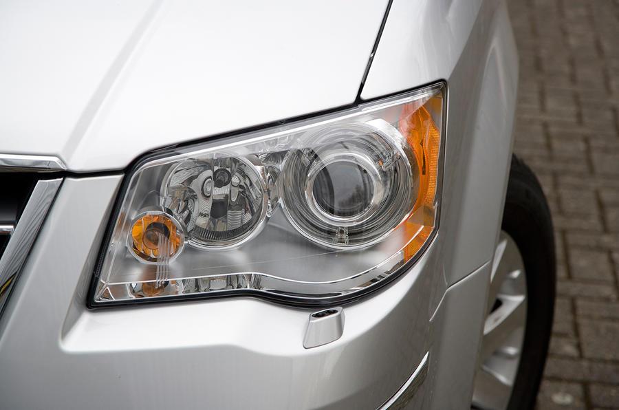 Chrysler Voyager headlights