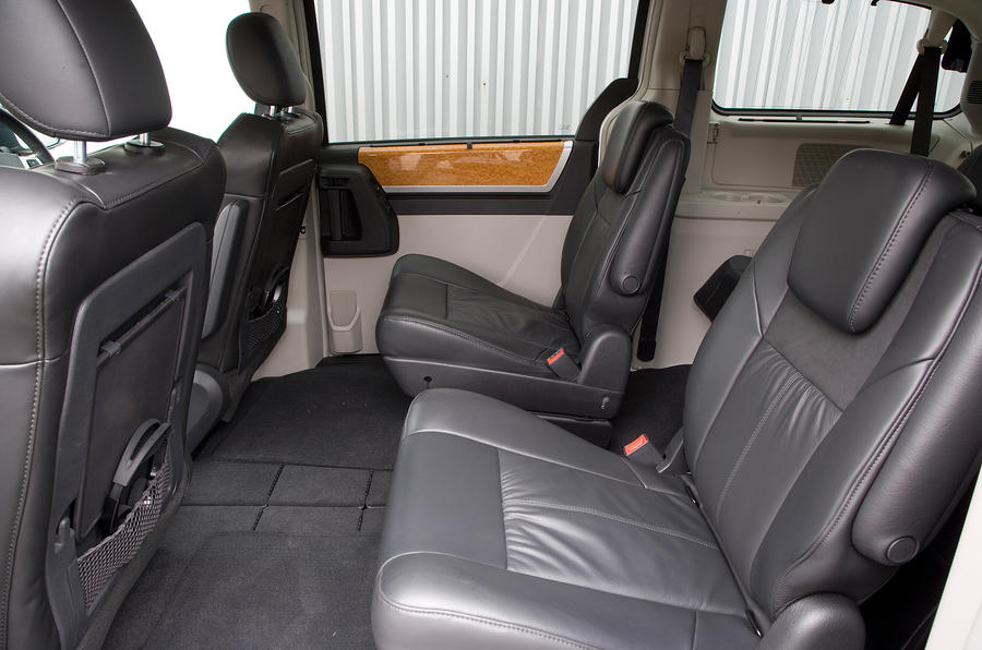 Chrysler Voyager second row seats