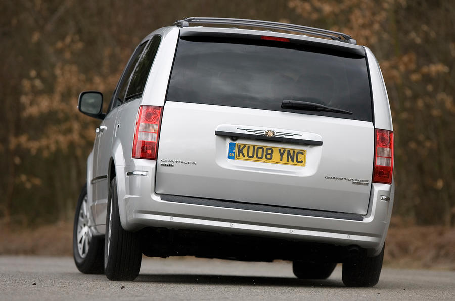 Chrysler Voyager rear hard cornering