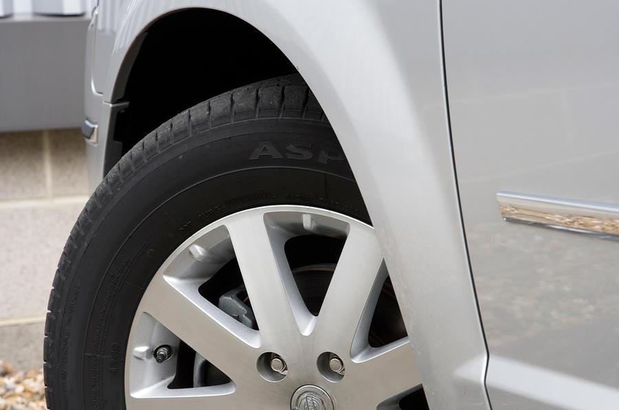 17in Chrysler Voyager alloy wheels