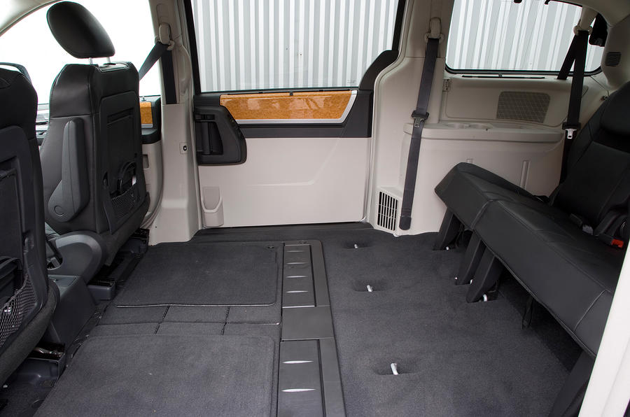 Chrysler Voyager third row seats