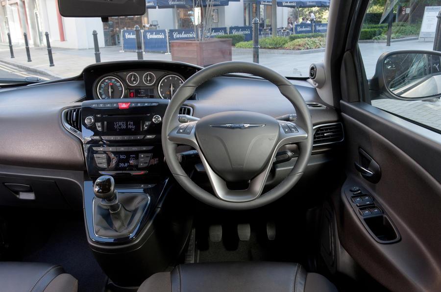 Chrysler Ypsilon dashboard