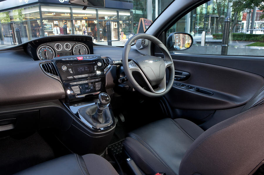 Chrysler Ypsilon interior