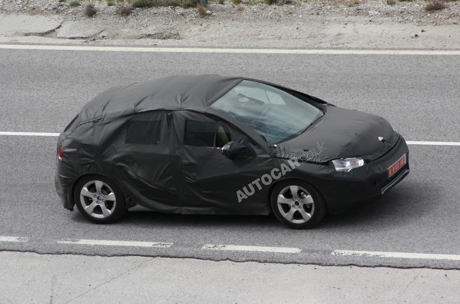 Citroen DS4: first spy pics