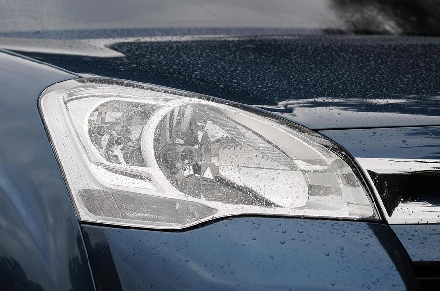 Citroën Berlingo headlights