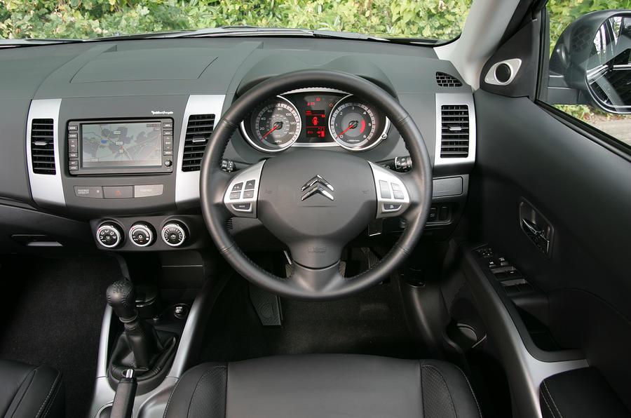 Citroën C-Crosser interior